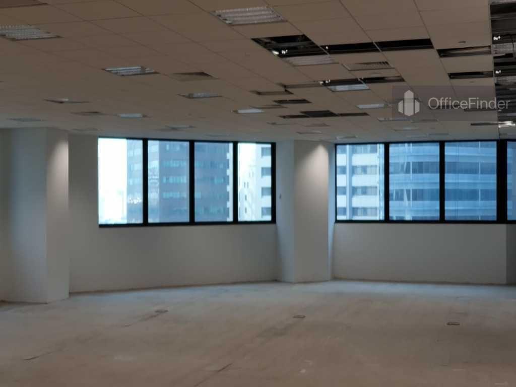 Republic Plaza Office Workspace