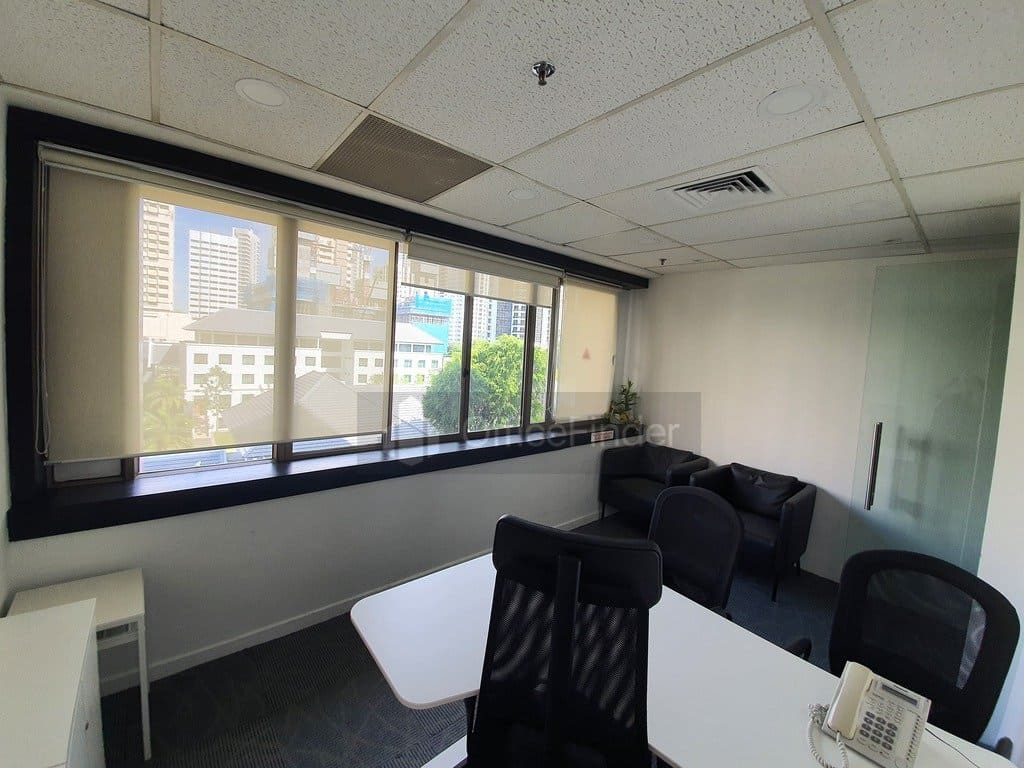 International Building Office for rent