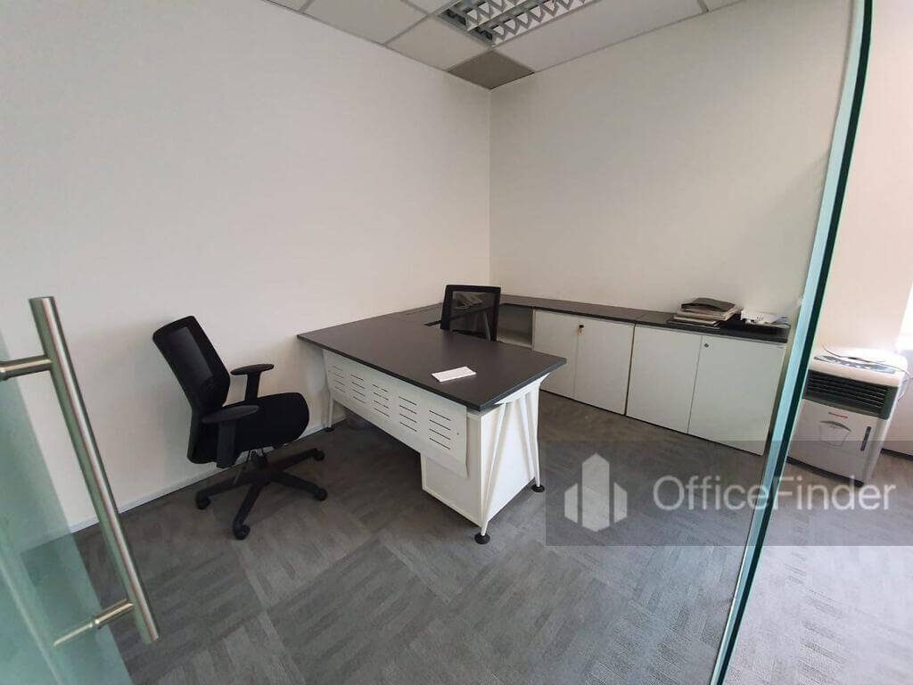 One Raffles Place Office Space Manager's room