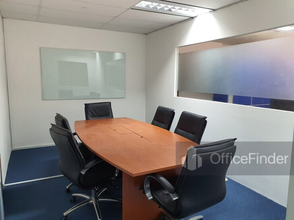 Keck Seng Tower Office Space for rent Meeting room